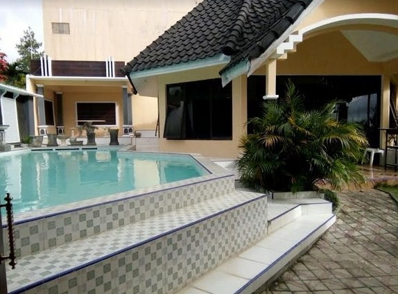 Villa Rose Kusuma Agro Private Pool