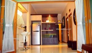 Cozy Villa Batu (4)