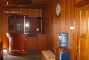 Villa rumah kayu ruang makan