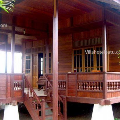 Villa Pohon Kayu Batu