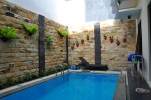 kolam renang Villa Kawai Pinus Batu