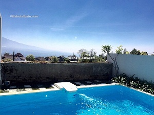 Penginapan Kolam Renang Exclusive Villa Batu B