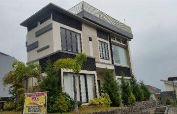 Review Sewa Villa Kusuma Agro Batu