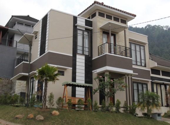 Villa di Batu Dekat Museum Angkut