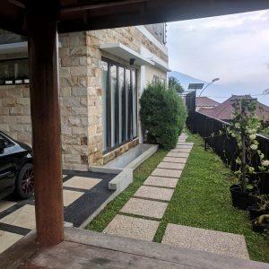 Zakiya Villa Batu 13