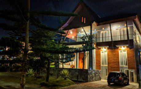 10 Villa di batu yang kami rekomendasikan untuk liburan keluarga besar
