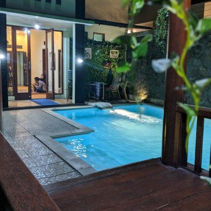 10 villa di batu malang fasilitas private pool yang cocok untuk keluarga kecil
